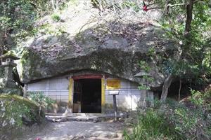 境内にも奇岩がある。一般的には...