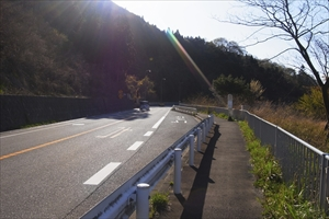 まずは、土山峠を目指します。...