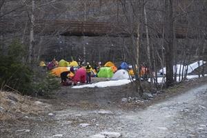横尾のキャンプサイトだ。...