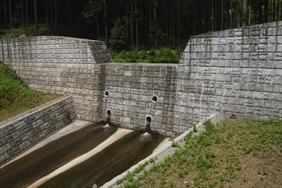りっぱな砂防ダムが出来ていた。...