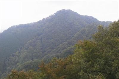次の目標、仏果山。...