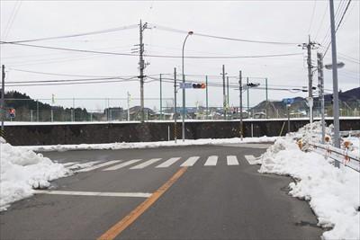 三叉路。ここを右。...