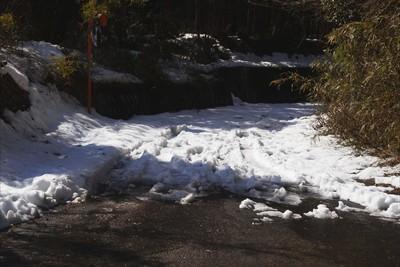 振り返ると、除雪はここまでのよ...