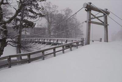 河童橋・・・。階段は完全に埋ま...