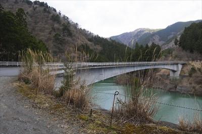 この橋を渡って・・・...