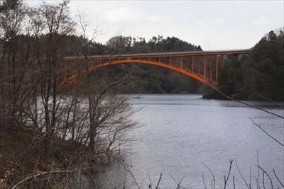 虹の大橋・・・。そう、あれは2...