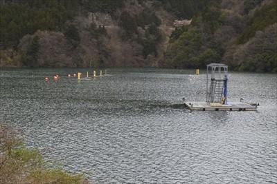 奥宮ヶ瀬湖ではカヌーが出来る。...