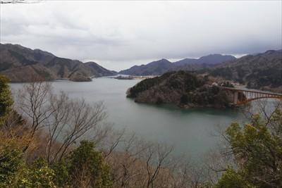 宮ヶ瀬湖が一望出来る。隠れた絶...