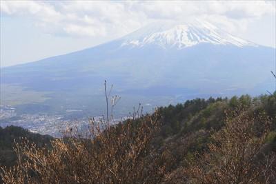 講習後に三ツ峠山荘の前から見た...