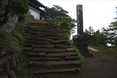 ・・・階段を登ると・・・...