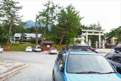 キャンプ場から岩木山神社まで車...