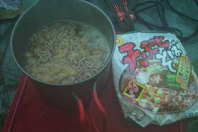 最近お気に入りの天ぷらそばで朝...