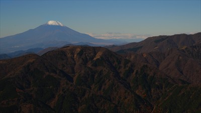 山頂の西側の展望。...