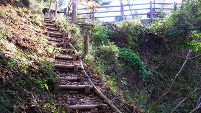 最後の階段を登ると・・・...