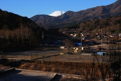 富士山の頭がチョットだけ見える...