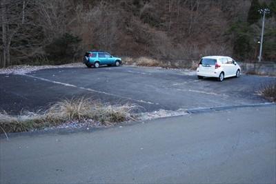 道志の湯の少し先にある駐車場に...