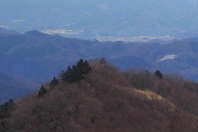 先ほどいた高取山の展望台。...