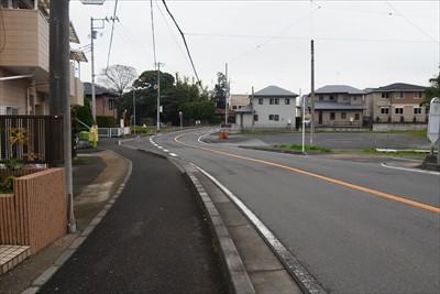 ・・・この道は車でよく通る道。...