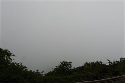山頂東側の展望。...