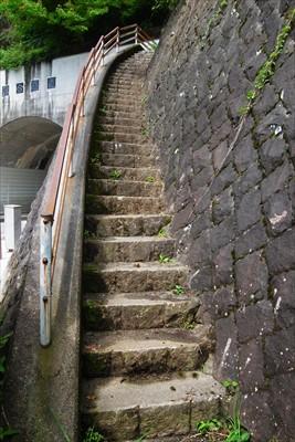 まずは階段・・・。...