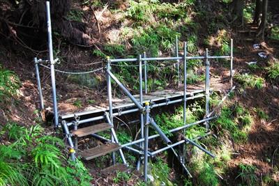 二つ目の橋を渡ると足場は安定す...