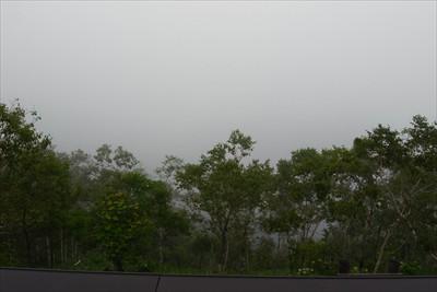 展望台からの摩周湖。何も見えな...