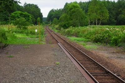電車の到着する2〜3分前に地震...