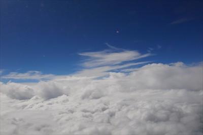 帰りもやっぱり雲だらけ・・・。...
