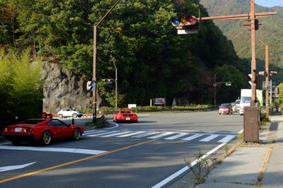 国道139。おっ! フェラーリ...