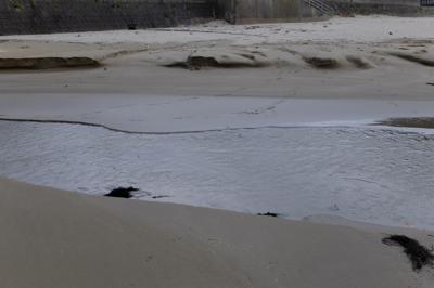 再び川。ここは浅いのでそのまま...