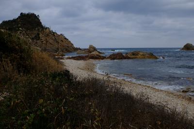 ・・・再び海岸に出た。...