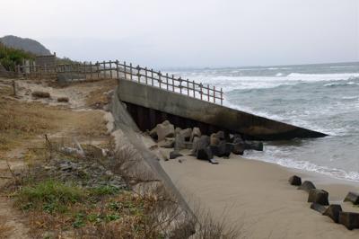 やっぱりこれ以上砂浜が無い・・...