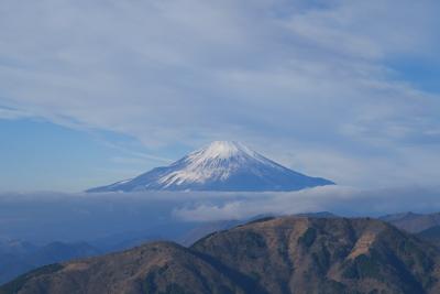 富士山が空中に浮かんでいるよう...