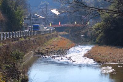 庫裏橋が見えてきた。...