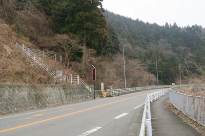 まずは南下して土山峠に向かいま...