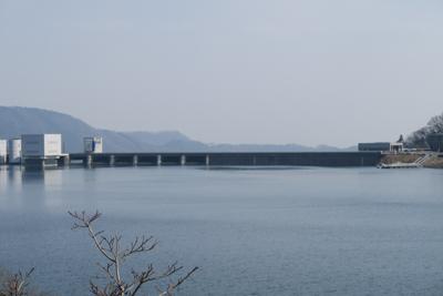 宮ヶ瀬ダムが近づいてきた。...