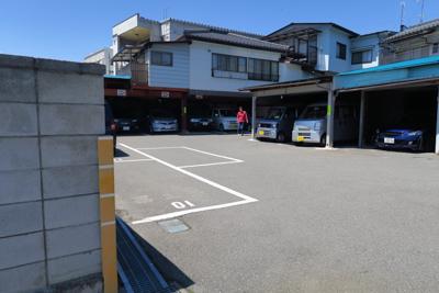 駐車場は松本駅から5分ほどの所...