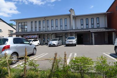 大町の商工会議所。トイレがある...