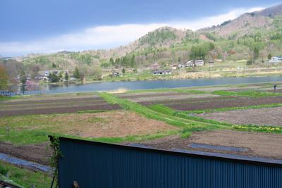 あぁ〜、やっと中綱湖が見えた。...
