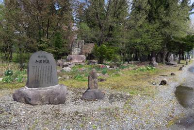 本当にこの辺りは石碑、石仏が多...