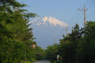今年の富士山は雪は少なそうだな...