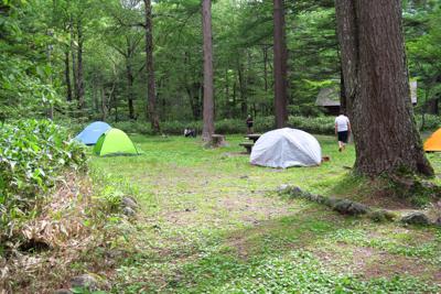 キャンプ場到着。...
