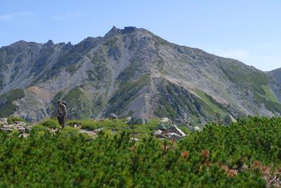 ここから雄山山頂がよく見える。...