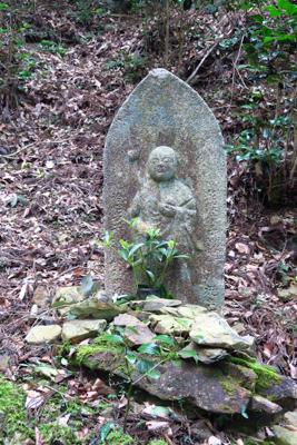 石の仏像。...