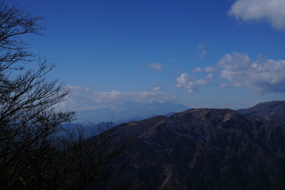 あ〜あ、富士山に雲が掛かっちゃ...