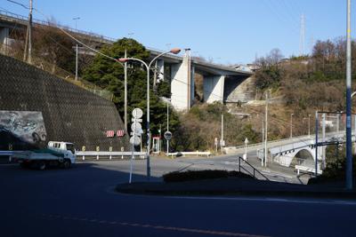 おっ! 新旧の小倉橋が見えてき...