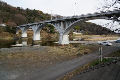 ・・・旧小倉橋を・・・...