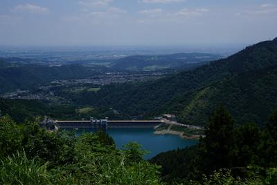 景色はこんな感じ。宮ヶ瀬ダムが...