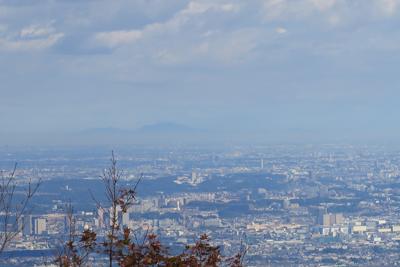 反対側(東京方面)は東京を越え...