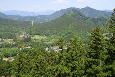 鳥屋の集落だろうか、里山の景色...